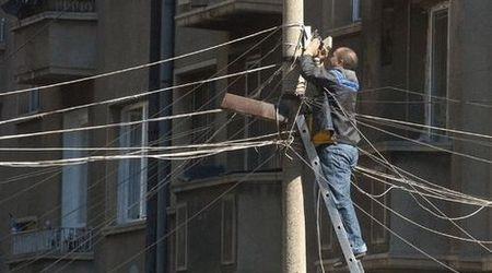РДНСК на централен северен район сваля кабелите на операторите.
